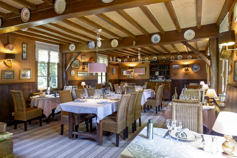 La Petite Auberge restaurant traditionnel table repas affaires famille amoureux